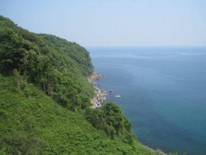 日本海断壁